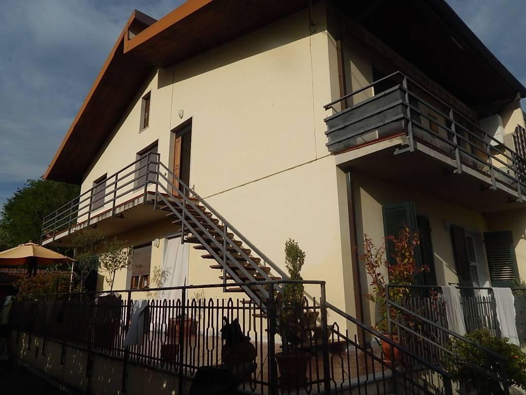 Casa Indipendente in buone condizioni parzialmente arredato in vendita Rif. 9151381