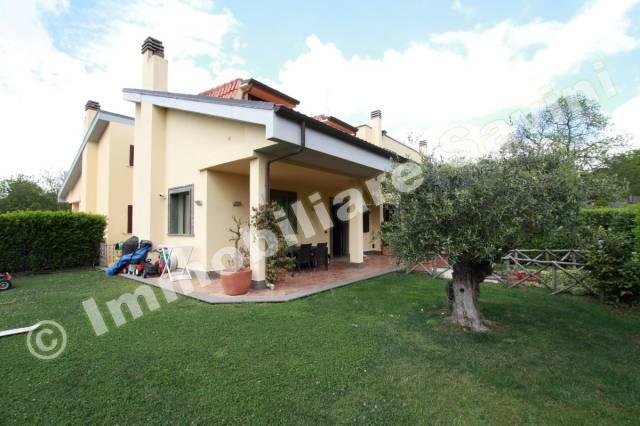 Villa in vendita a Ariccia, 4 locali, prezzo € 450.000 | Cambio Casa.it