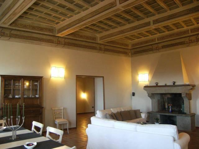 Appartamento in ottime condizioni in vendita Rif. 4806836