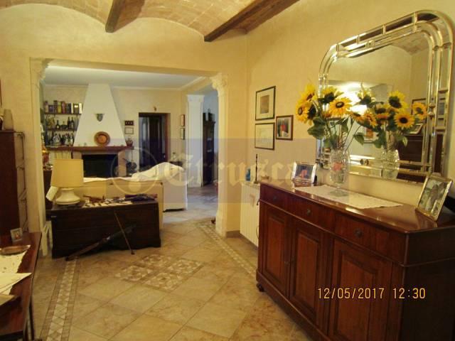 Appartamento in vendita a Tarquinia, 5 locali, prezzo € 260.000 | CambioCasa.it