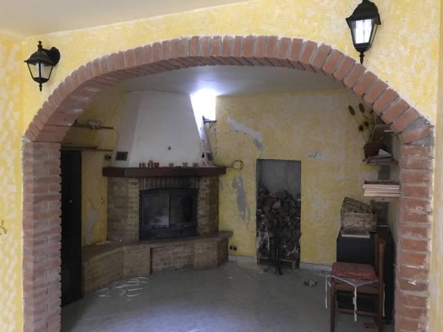 Appartamento in buone condizioni arredato in vendita Rif. 4412966