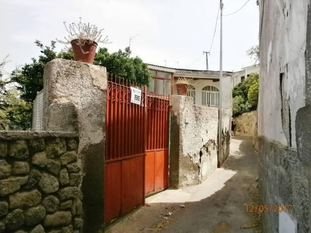 Appartamento da ristrutturare in vendita Rif. 4908117