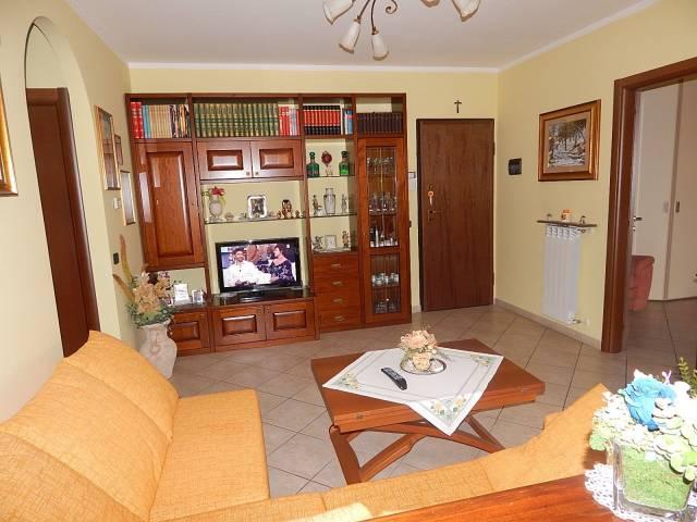 Appartamento in vendita a Trecate, 2 locali, prezzo € 85.000 | CambioCasa.it