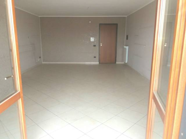 Appartamento in vendita a Orta di Atella, 4 locali, prezzo € 138.000 | Cambio Casa.it
