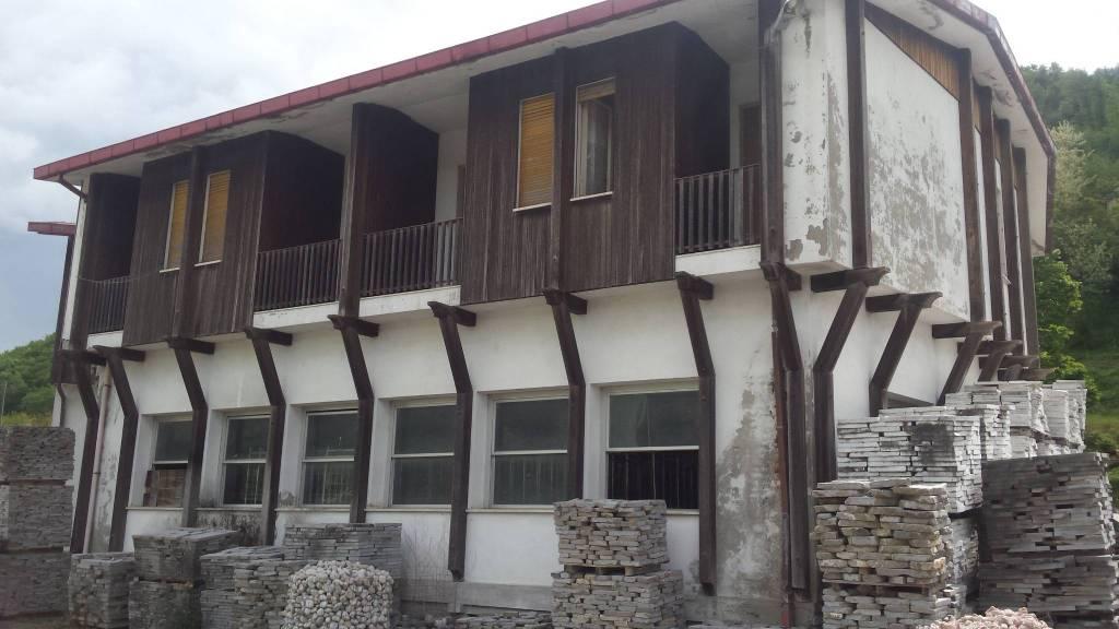 Palazzo in Vendita a Civitella Di Romagna Periferia: 5 locali, 570 mq