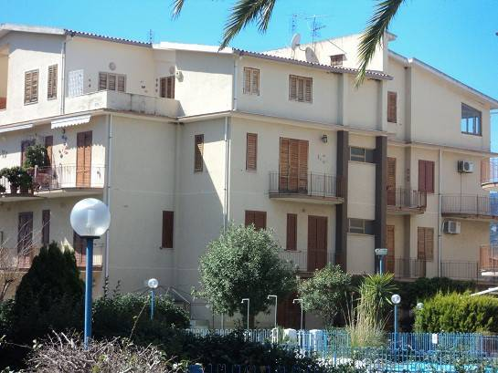 Appartamento in vendita a Falcone, 4 locali, prezzo € 72.000   Cambio Casa.it