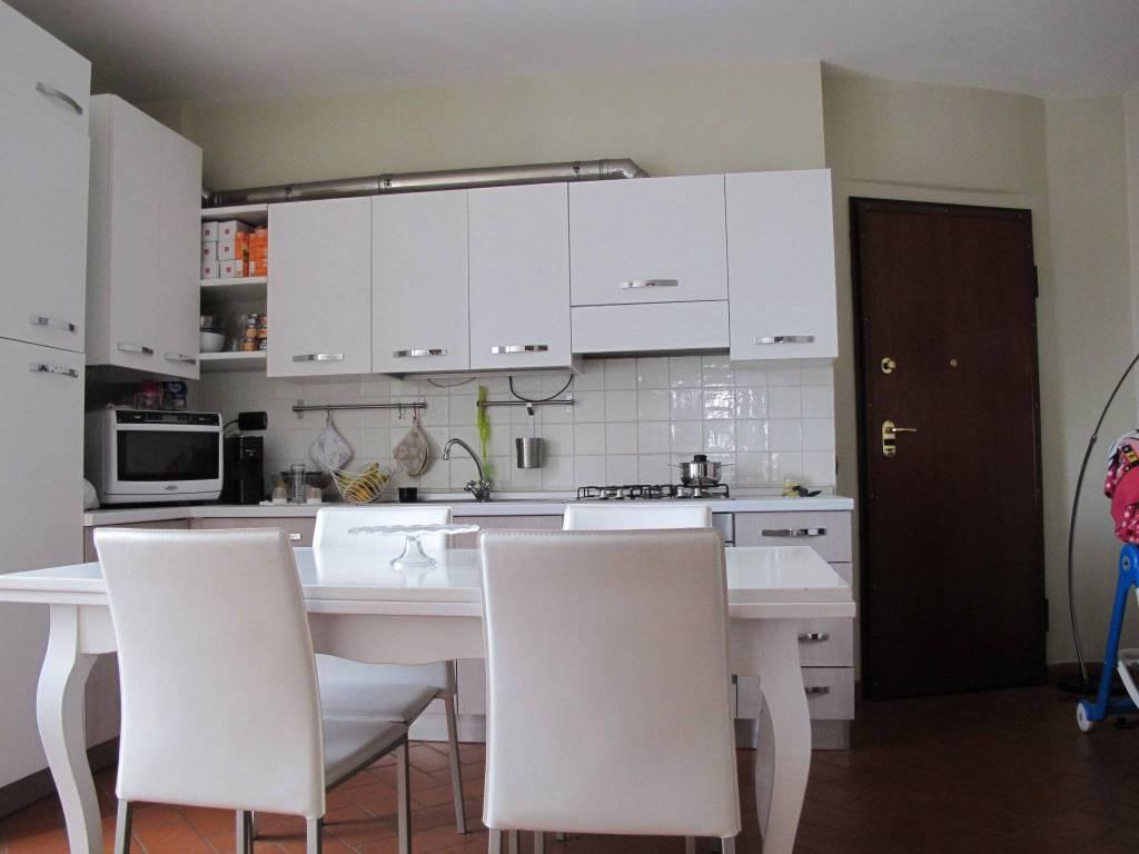 Appartamento in Affitto a Pistoia Semicentro: 3 locali, 74 mq