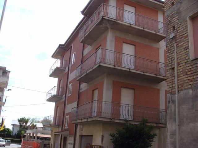 Palazzo-stabile Vendita Guardavalle
