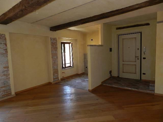 Appartamento in vendita a Dogliani, 3 locali, prezzo € 144.000 | CambioCasa.it