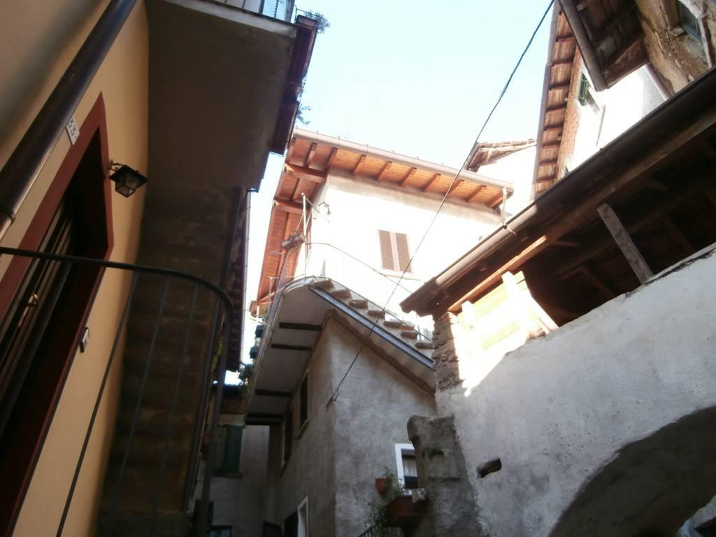 Appartamento in ottime condizioni arredato in affitto Rif. 7779978