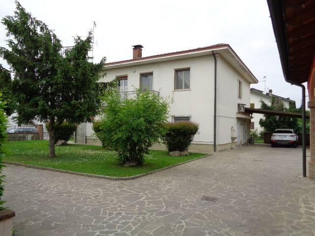 Appartamento in affitto a Spinadesco, 4 locali, prezzo € 380 | Cambio Casa.it