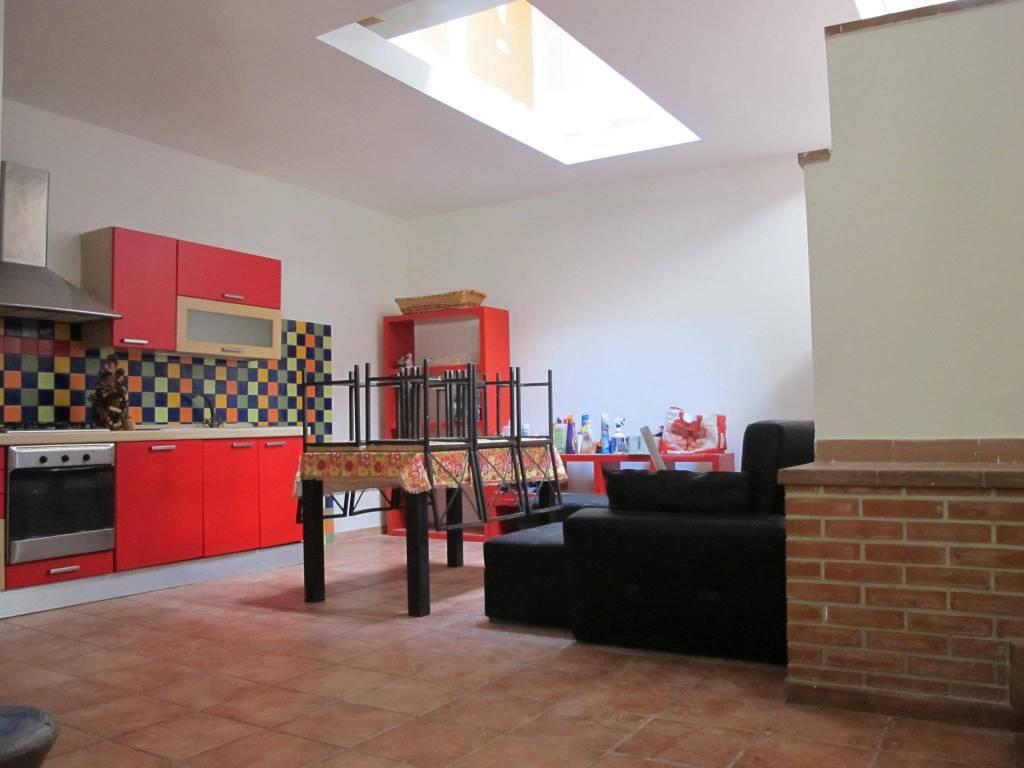 Appartamento in Affitto a Pistoia Periferia Sud: 2 locali, 70 mq