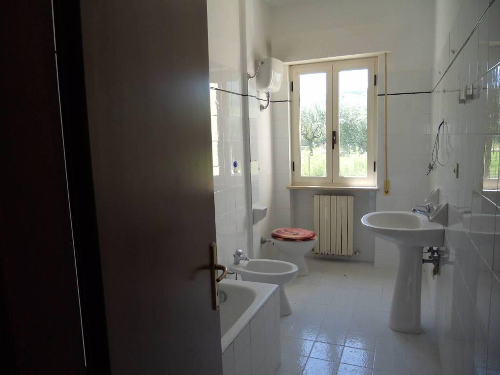 Appartamento in buone condizioni in vendita Rif. 5192045