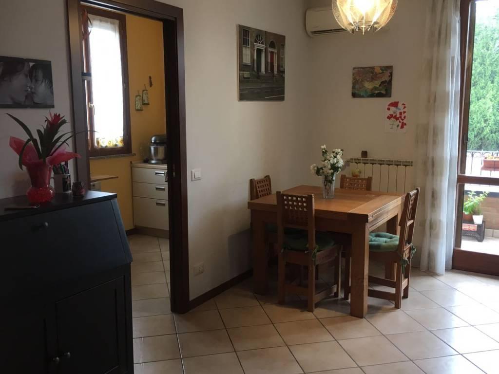 Appartamento in ottime condizioni in vendita Rif. 8519333
