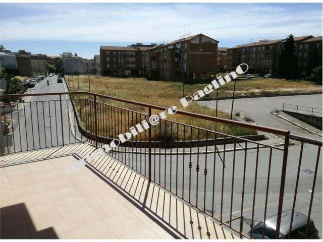 Appartamento in vendita a Alcamo, 4 locali, prezzo € 75.000 | Cambio Casa.it