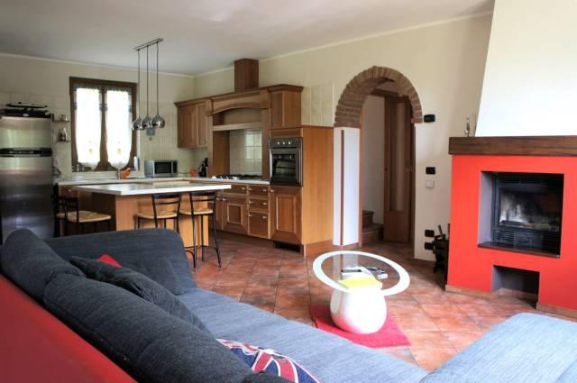 Villa in vendita a Dumenza, 6 locali, prezzo € 349.000 | Cambio Casa.it