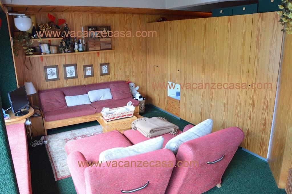 Appartamento in ottime condizioni arredato in vendita Rif. 9116762