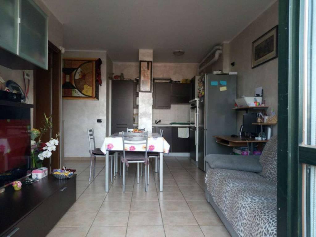 Appartamento in vendita a Gerenzano, 2 locali, prezzo € 110.000   CambioCasa.it