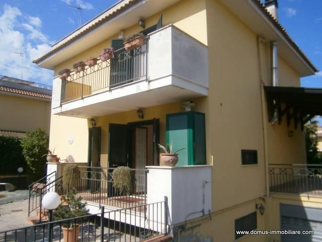 Appartamento in ottime condizioni arredato in vendita Rif. 8549584