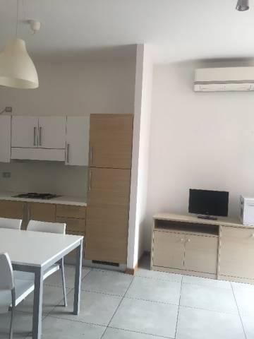Appartamento in affitto a Pinerolo, 2 locali, prezzo € 400 | Cambio Casa.it