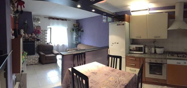 Appartamento in vendita a Valmadrera, 3 locali, prezzo € 89.000   Cambio Casa.it
