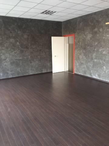 Negozio / Locale in vendita a San Secondo di Pinerolo, 4 locali, prezzo € 170.000 | Cambio Casa.it