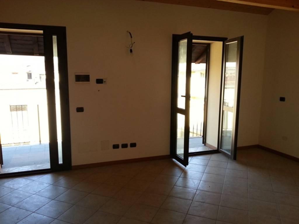 Appartamento in ottime condizioni in vendita Rif. 7619478