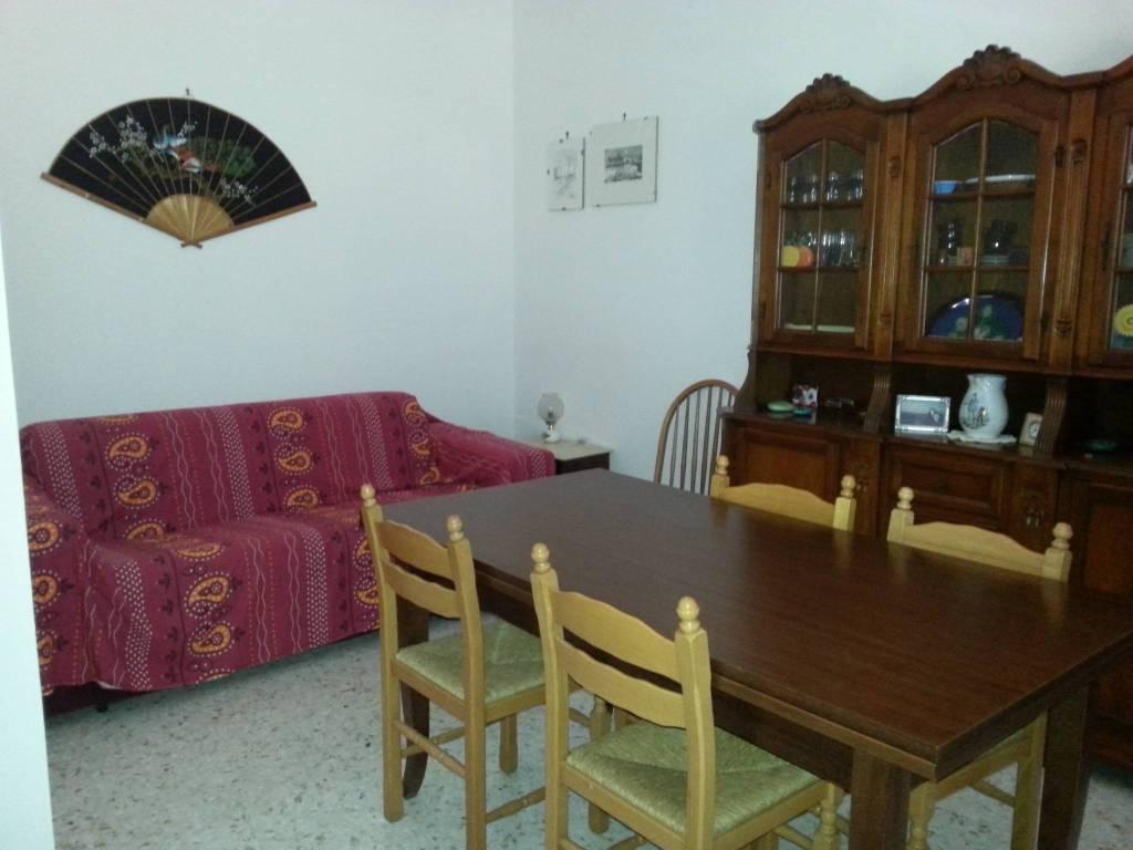 Appartamento in buone condizioni in vendita Rif. 4221276