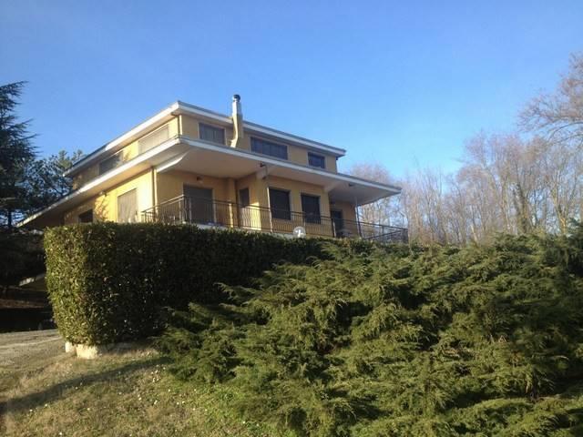 Villa in vendita a Pecetto di Valenza, 5 locali, prezzo € 270.000   Cambio Casa.it