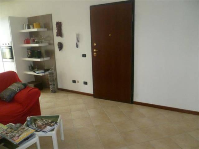Appartamento in affitto a Rodigo, 4 locali, prezzo € 400   Cambio Casa.it