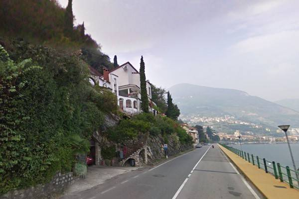 Villa in vendita a Tavernola Bergamasca, 6 locali, prezzo € 460.000 | Cambio Casa.it
