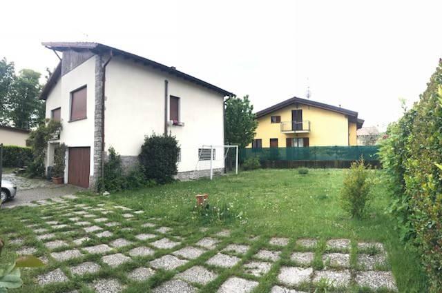 Villa in Vendita a Casciago