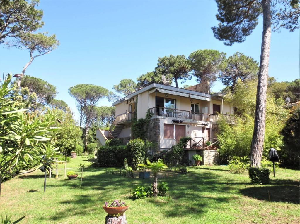 Appartamento parzialmente arredato in vendita Rif. 8818505