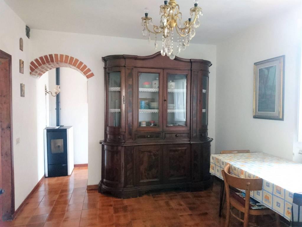 Appartamento in buone condizioni in vendita Rif. 7402140