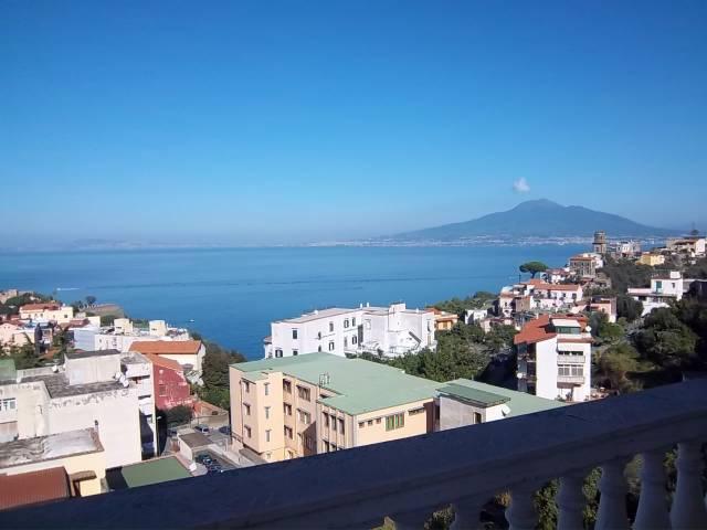Appartamento in vendita a Vico Equense, 3 locali, prezzo € 495.000 | Cambio Casa.it