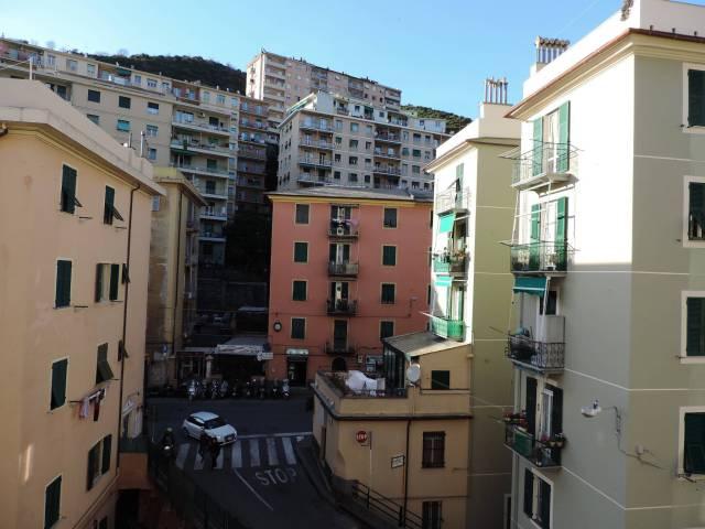 Appartamento in Vendita a Genova Periferia Est: 2 locali, 58 mq