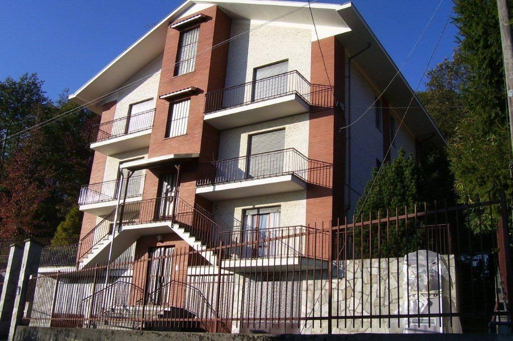 Appartamento in buone condizioni in vendita Rif. 5233048