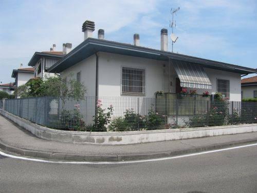 Villa in vendita a Vignate, 4 locali, prezzo € 350.000   Cambio Casa.it