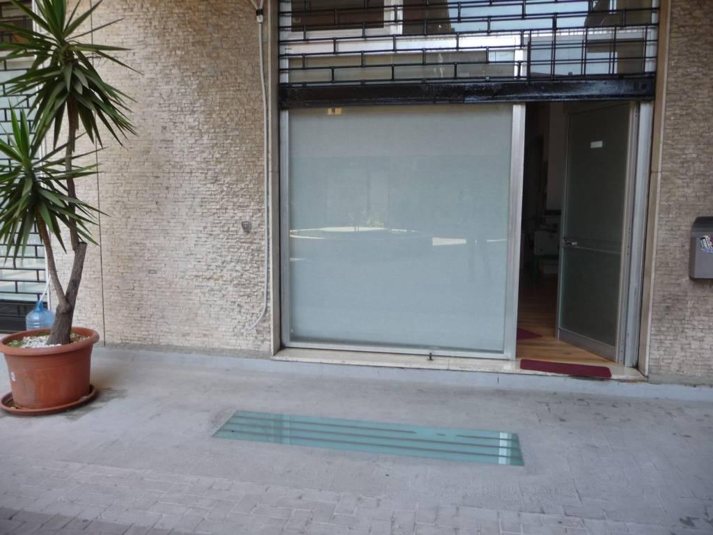 Bottega via duca degli abruzzi Rif. 9144384