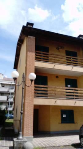 Appartamento in affitto a Boltiere, 4 locali, prezzo € 550 | Cambio Casa.it
