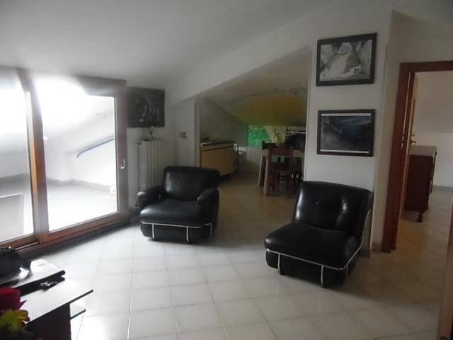 Attico / Mansarda in affitto a Aversa, 3 locali, prezzo € 350 | Cambio Casa.it