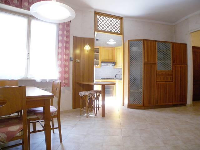 Appartamento in vendita a Imperia, 4 locali, prezzo € 140.000   CambioCasa.it
