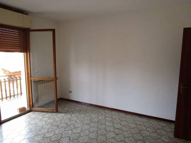 Appartamento in buone condizioni in vendita Rif. 4850062