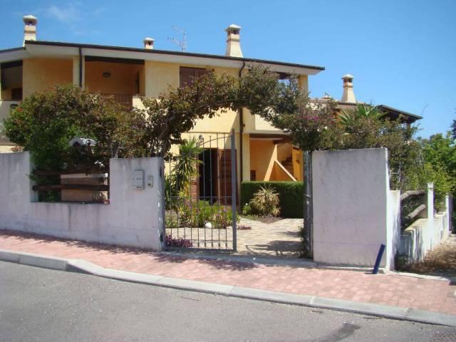 Appartamento in vendita a Dorgali, 5 locali, prezzo € 180.000 | Cambio Casa.it