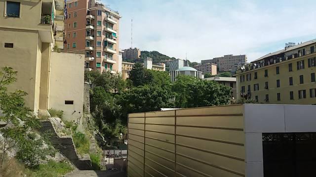 Appartamento in affitto a Genova, 4 locali, zona Zona: 7 . Di Negro, Oregina-Granarolo, Circonvalmonte, prezzo € 500 | Cambio Casa.it