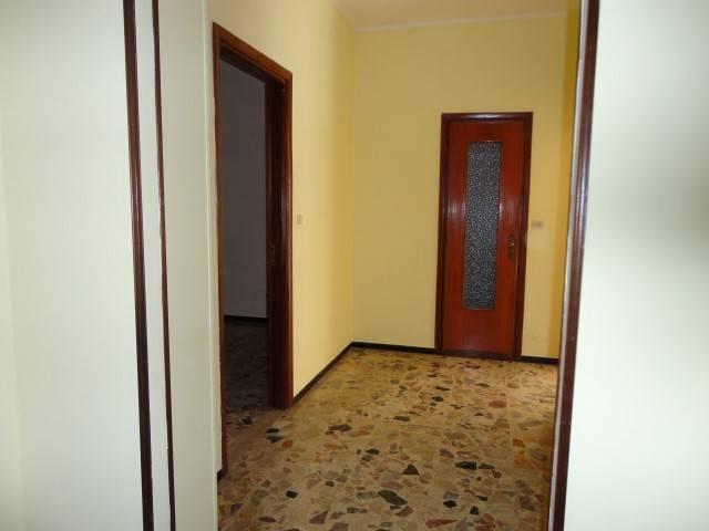 Appartamento in vendita a Alessandria, 4 locali, prezzo € 29.000 | PortaleAgenzieImmobiliari.it