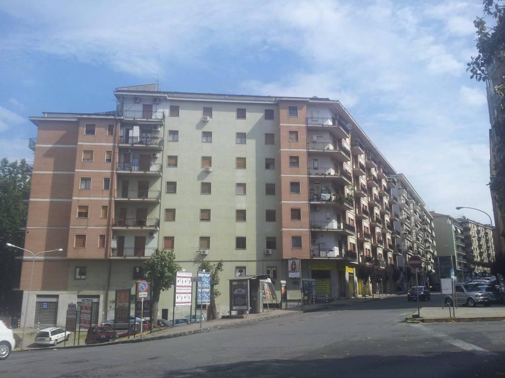 Appartamento da ristrutturare in vendita Rif. 9260746