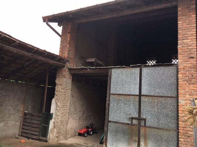 Rustico / Casale in Vendita a Olgiate Comasco