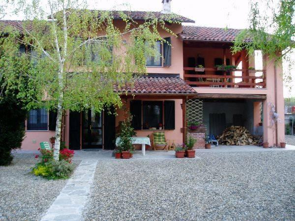 Villa in vendita a Palestro, 3 locali, prezzo € 145.000 | Cambio Casa.it