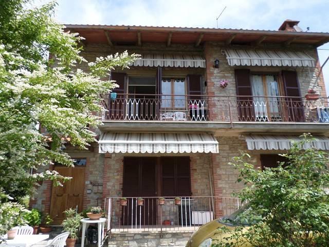 Appartamento in Vendita a Passignano Sul Trasimeno: 4 locali, 110 mq